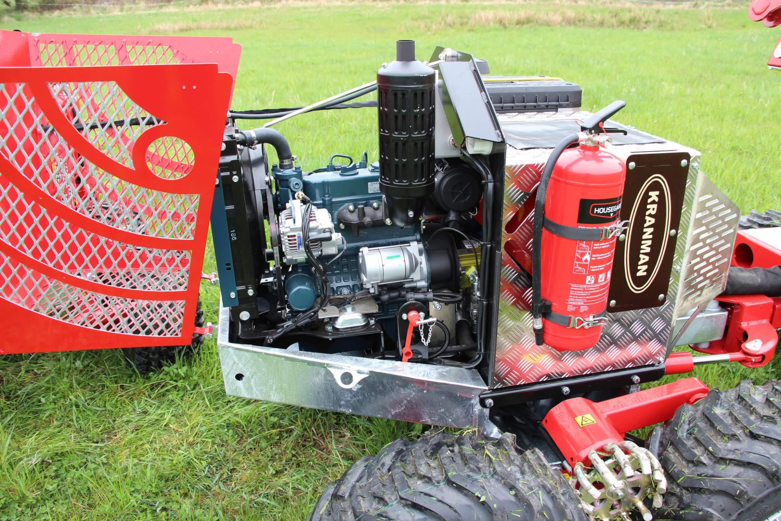 P25D med dieselmotor under huven