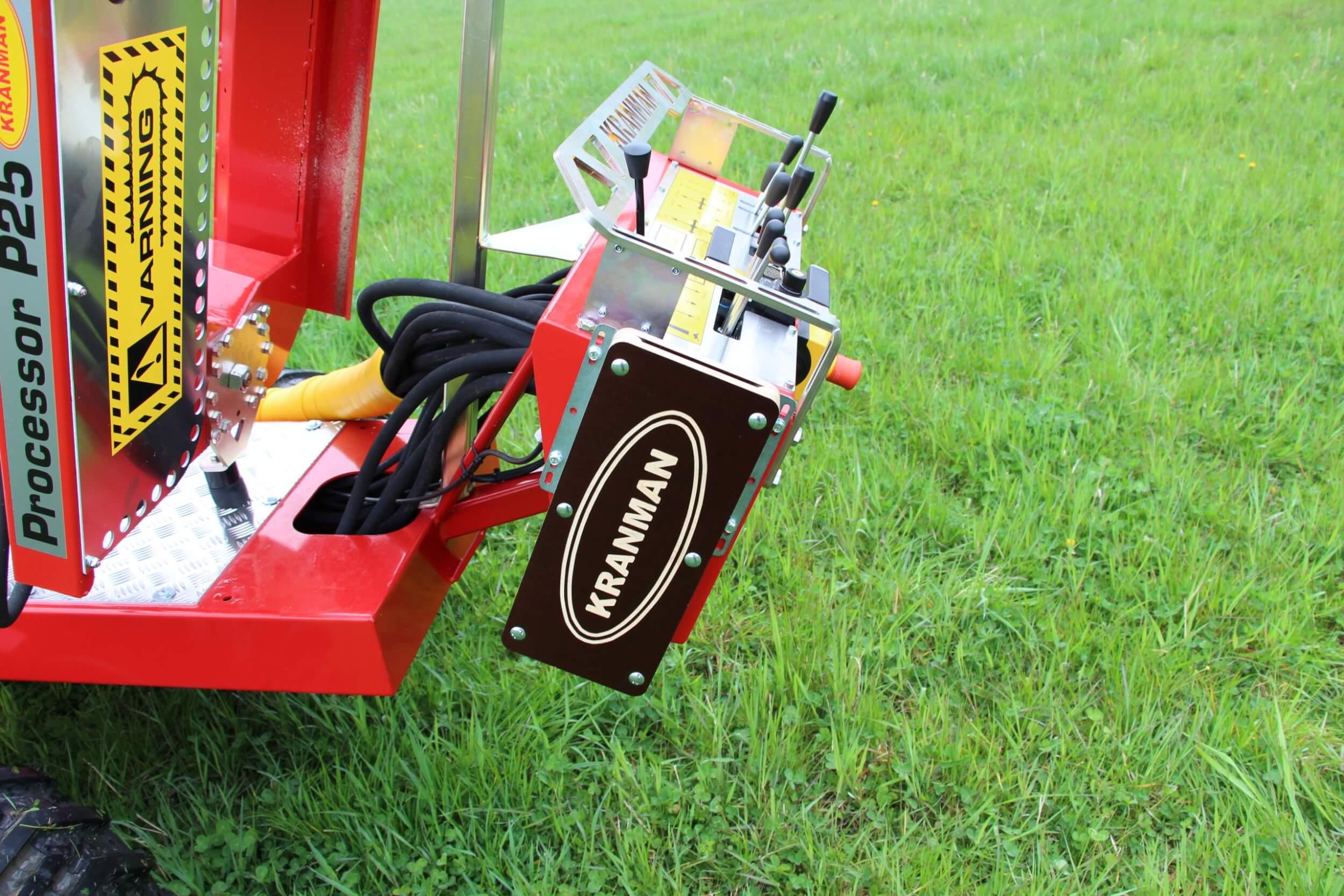 Såghållare för motorsåg på Kranman P25